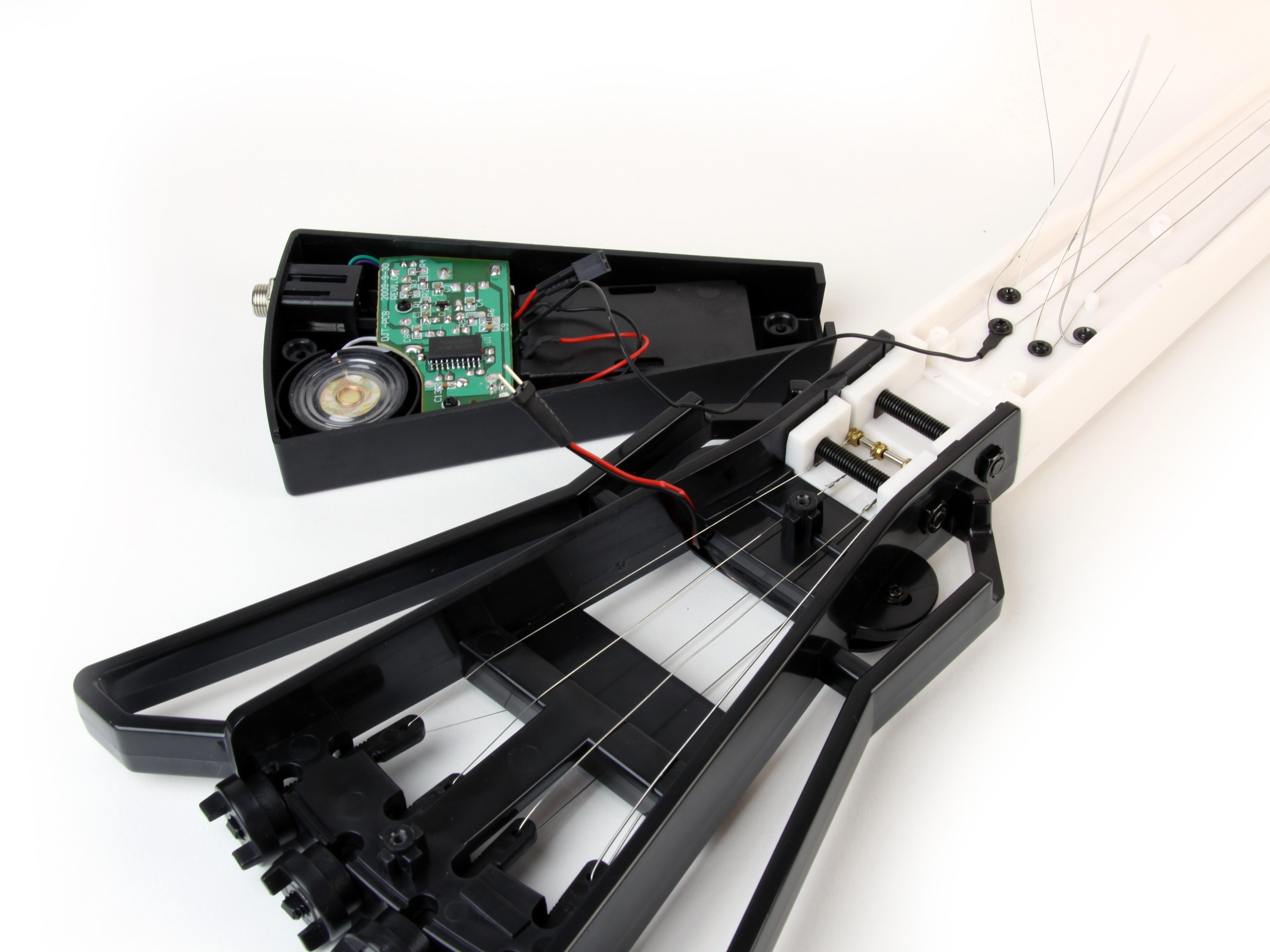 Build the Gakken MiniGuitar