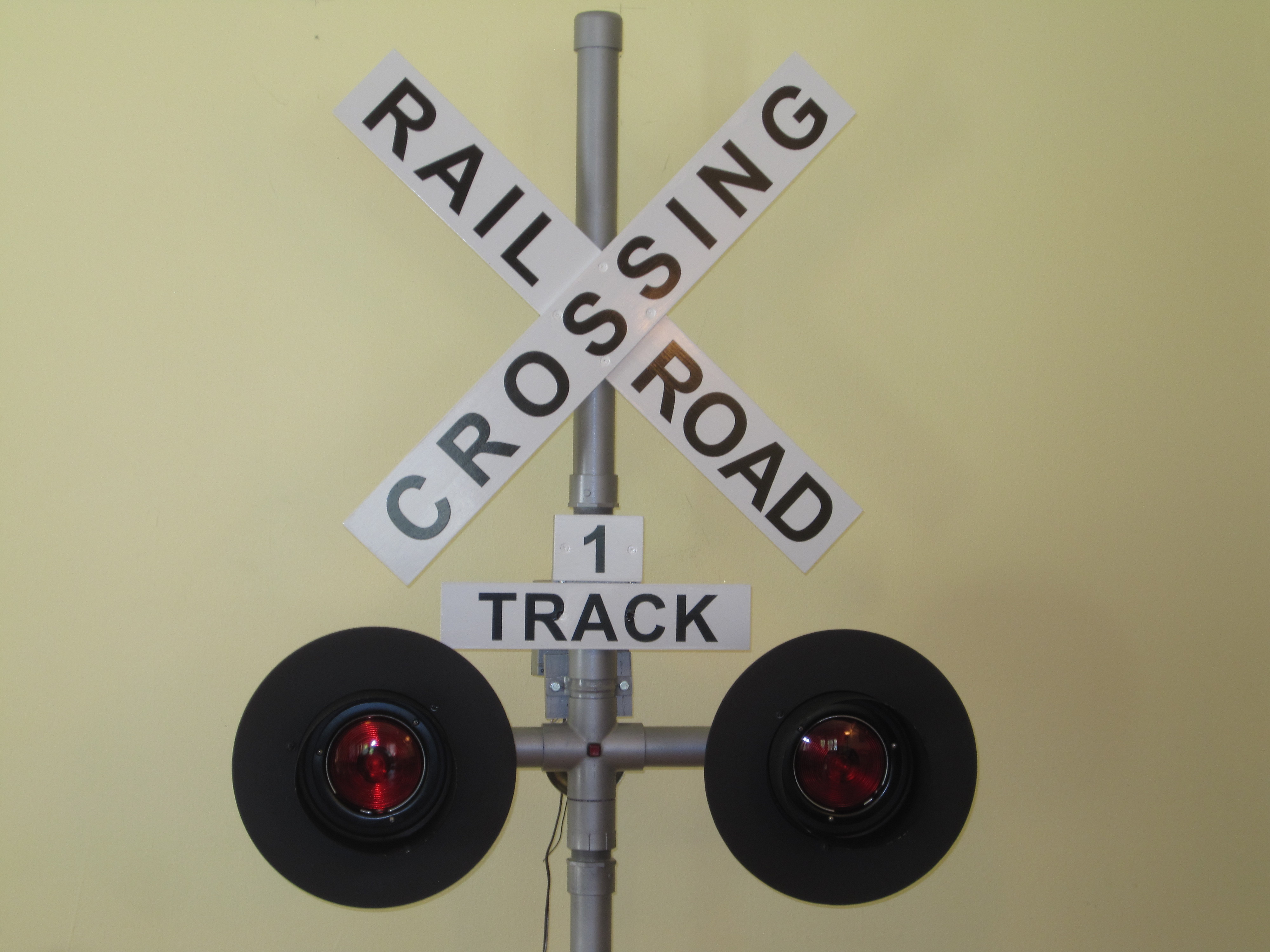Operating Railroad Grade Crossing Signal