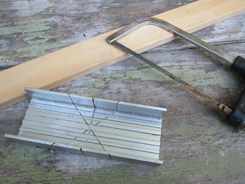 Make Straight Wood Cuts with a MiterBox