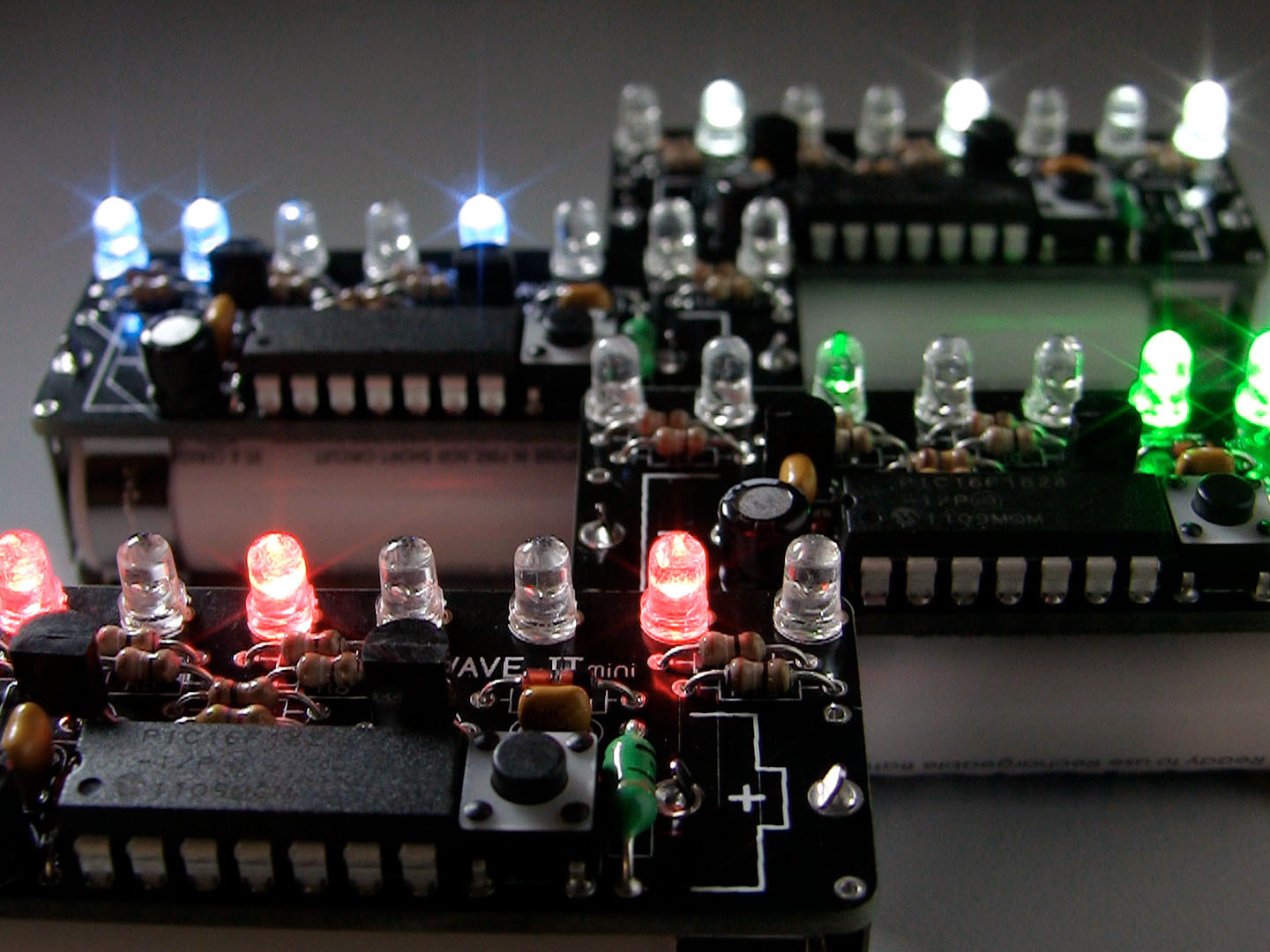 New Project: Wave JT – LED Chaser with JouleThief