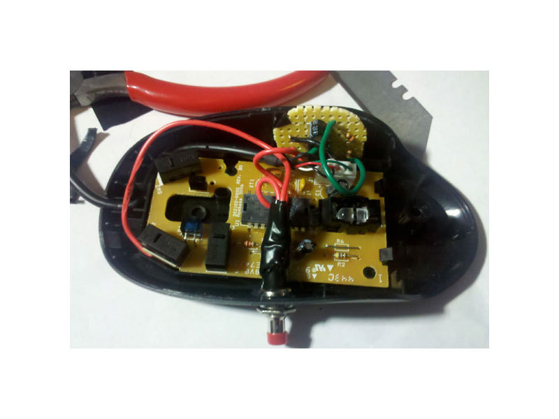 Adding Auto-Fire to a Computer Mouse (555timer)