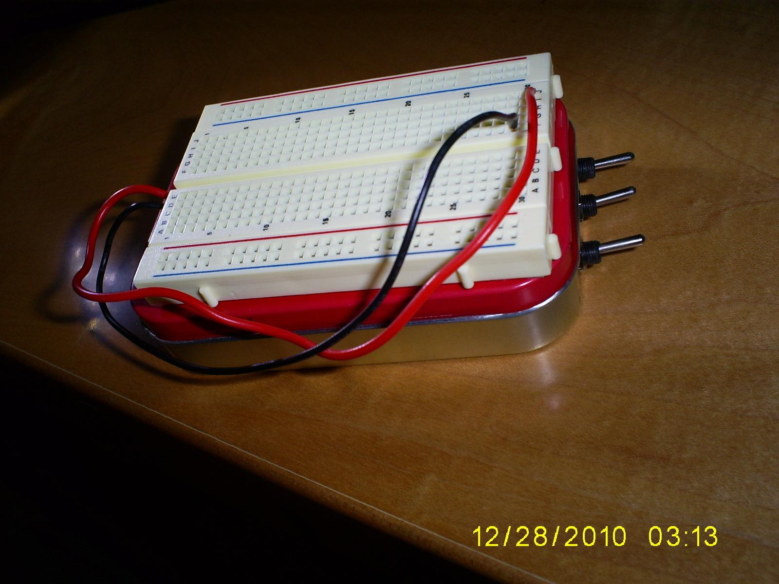 Altoids Tin Breadboard with PowerSupply