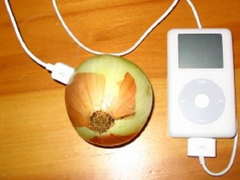Charge an iPod with anOnion
