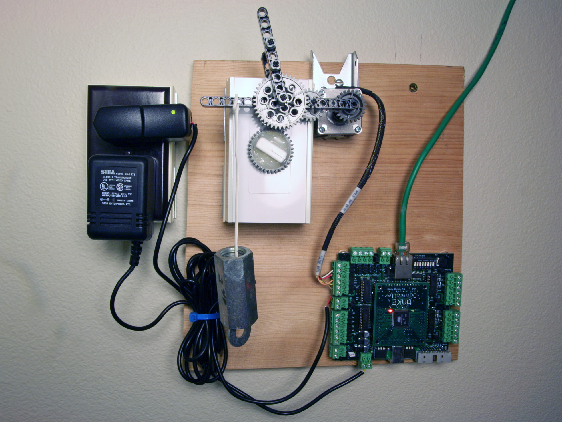 Automated Fan Speed Controller Make: DIY Projects How Tos  #25614B