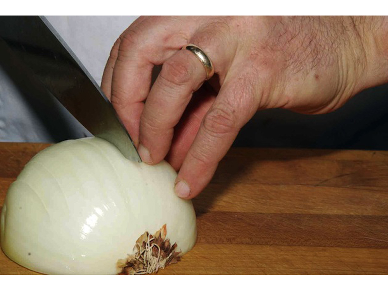 How to Dice Onions