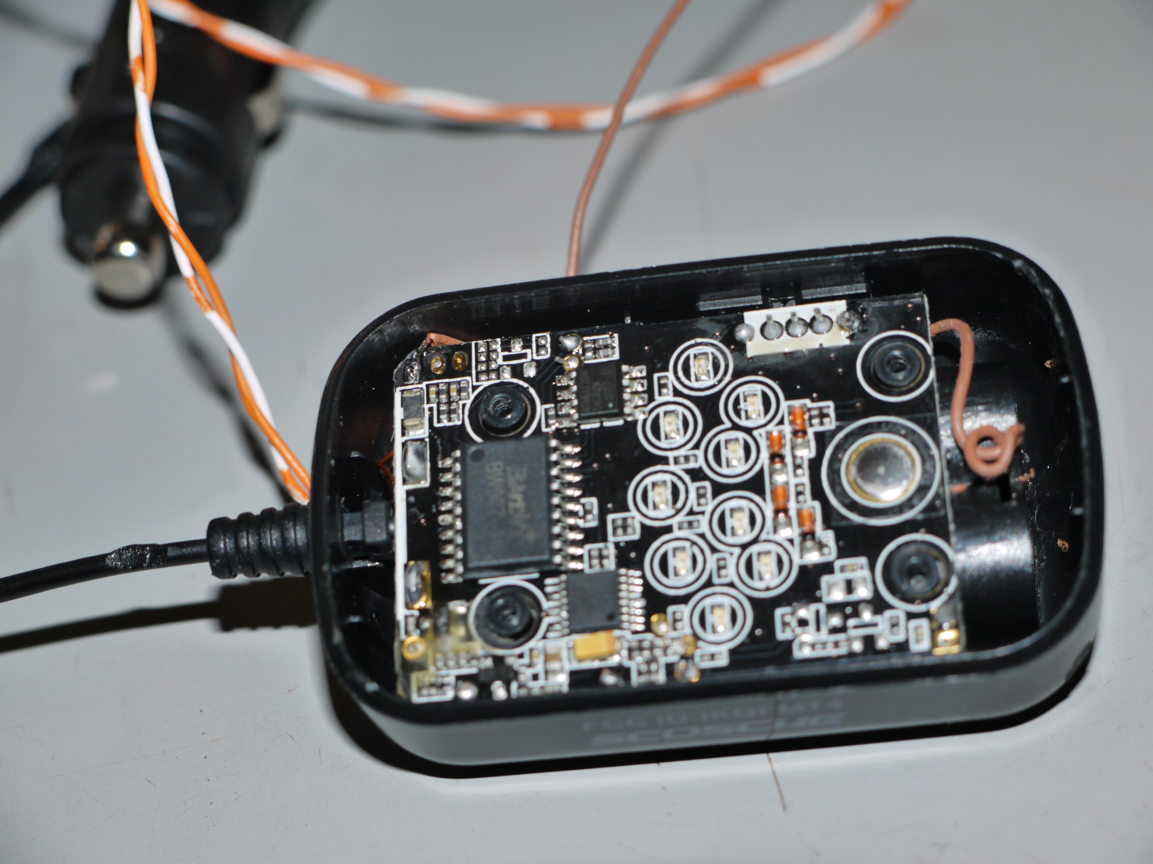 Hack the Scosche FMT4 FM transmitter!V2.0